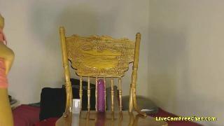 Мулатка выбрала правильный стул