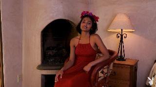 Яркая и цветущая Эйнджел Констанс