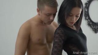 Анальный секс с нежной красоткой